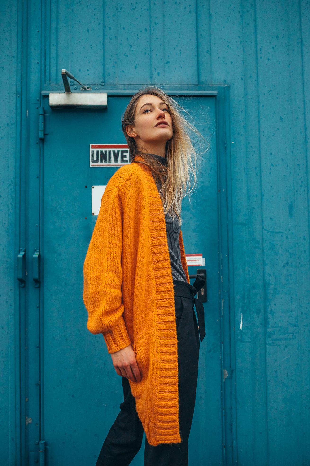 chiquelle orange vest
